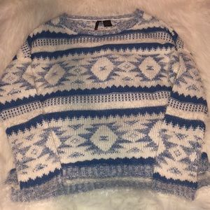 Sweaters - Blue and white eyelash sweater with Aztec design